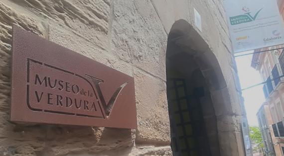 Mercavalència trae a la ciudad los trajes del Museo de la Verdura de Calahorra