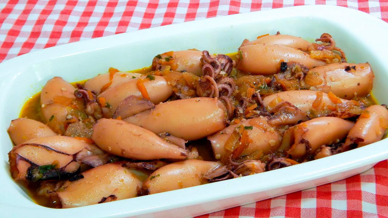 Calamar amb ceba. Receptes, beneficis i curiositats del calamar.